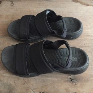 Skechers Goga Max Walking Sandals Slingback